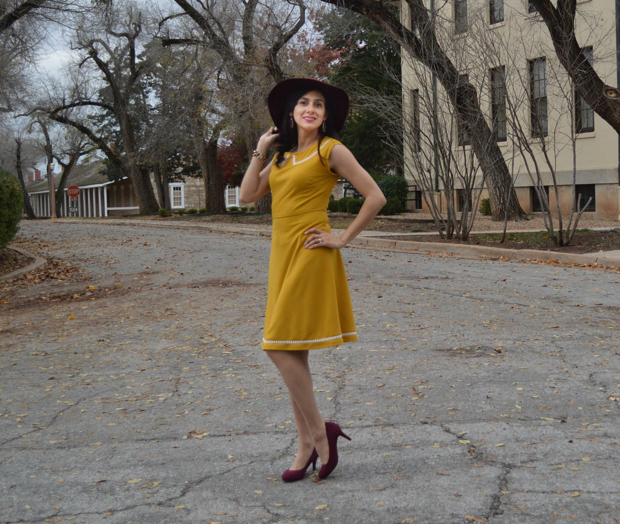 Yellow dress, dress for fall, fall fashion, classic dress, retro dress, retro style, fashion blogger, shop my blog