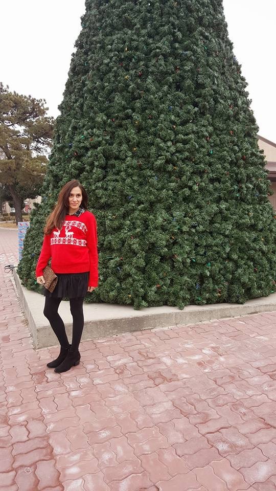 An Incredibly Stylish Way to Wear A Christmas Sweater